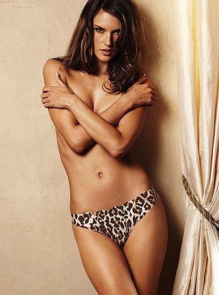Alessandraambrosio-naked